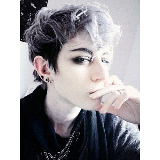 Androgynous Hairstyles For Men And Women Hairstylo Androgynous Haircut European Hair Emo Hair