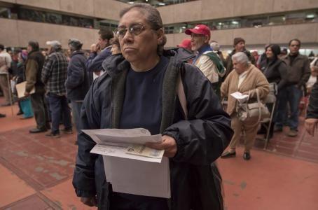 Productividad: Cientos de personas acuden al Palacio Municipal para pagar el impuesto predial 2016. (Cuartoscuro)