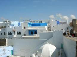 Tejados blanqueados y de azul en Asilah | Marruecos