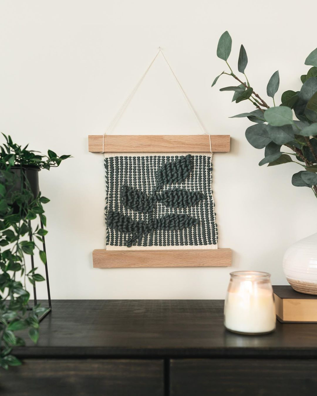 Pibione Weaving by Spruce  Linen.   #pibione #wovenwallhanging #wovenwallart #slweavingclub #pibones #pibioneweaving #weavingtechnique #weaving #frameloomweaving #weavinglove #weavingwallhanging #fiberartistsofinstagram #weaverfever #textileart #makersgonnamake #weaversofinstagram #tpaestry #homedecor #handmadehomedecor #weavingcommunity #tapestryweaving #wovenwallart #handweaving #weavingyarn #modernweaving #textiles #fiberartist #makersmovement #textiledesign #etsy