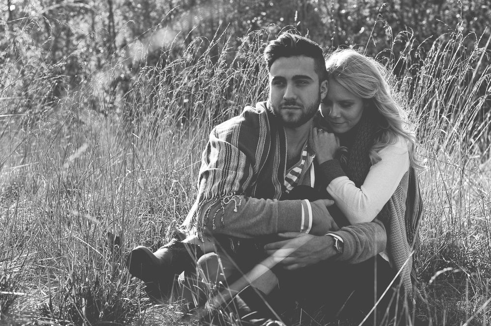 St. Louis engagement photography, engagement photos, engagement pose, couples pose, Charis Rowland Photography