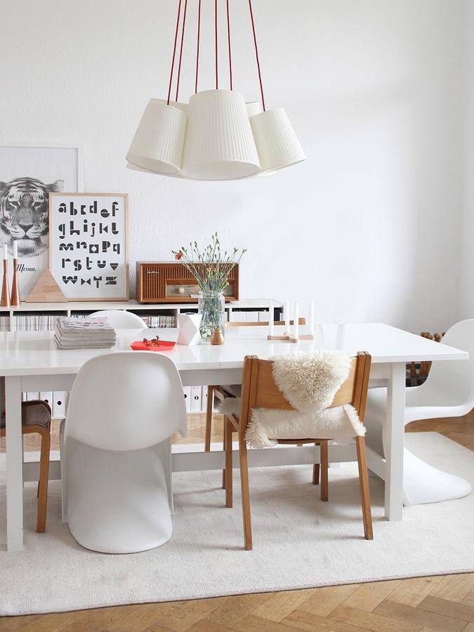 Esszimmer, Holz, Weiß, Teppich, Stühle, Holzstuhl, Design, Bild,
