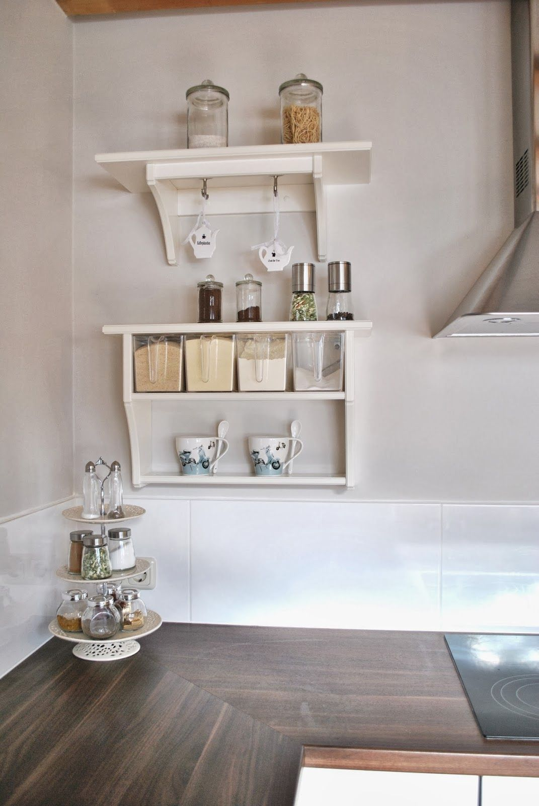 white and vintage Küche landhausstil dekorieren