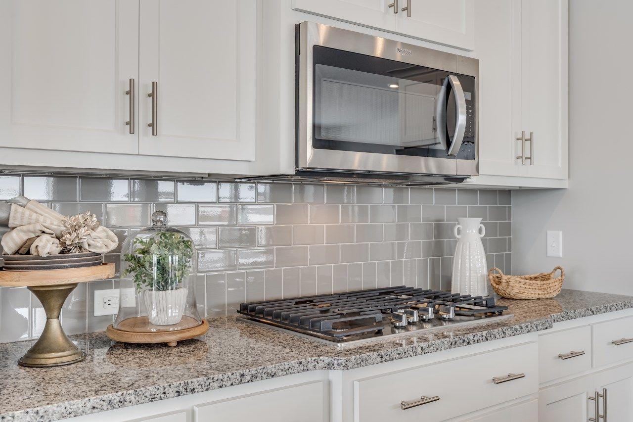 Hanson Builders Vermont Kitchen In 2020 Kitchen Cabinets And Granite Unique Kitchen Backsplash Cottage Kitchen Design