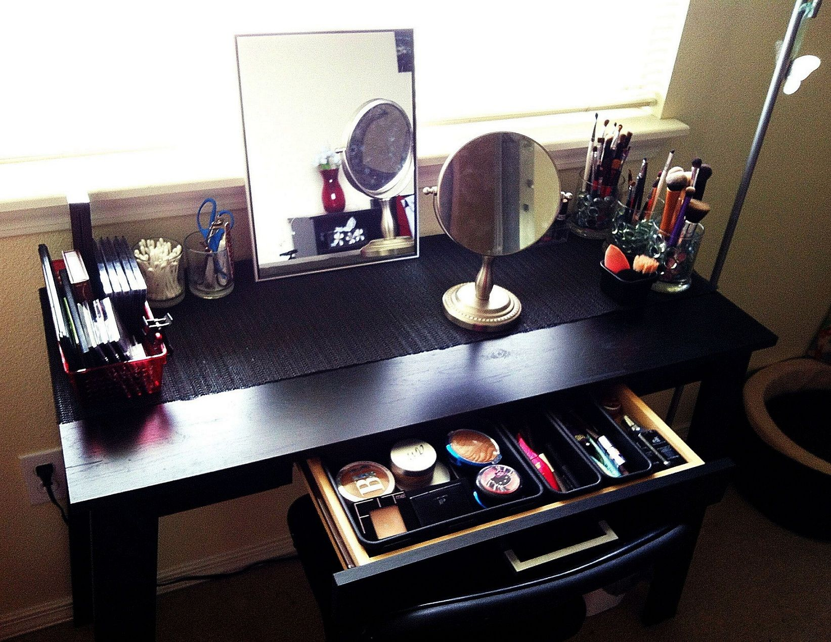 Black Makeup Vanity Table With Storage Drawer
