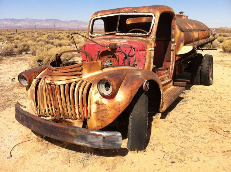 http://ultimategraveyard.com/wp-content/uploads/2013/04/ultimategraveyard-rusted-old-water-tanker-truck-mojave-desert-filming-photography-location1.jpg