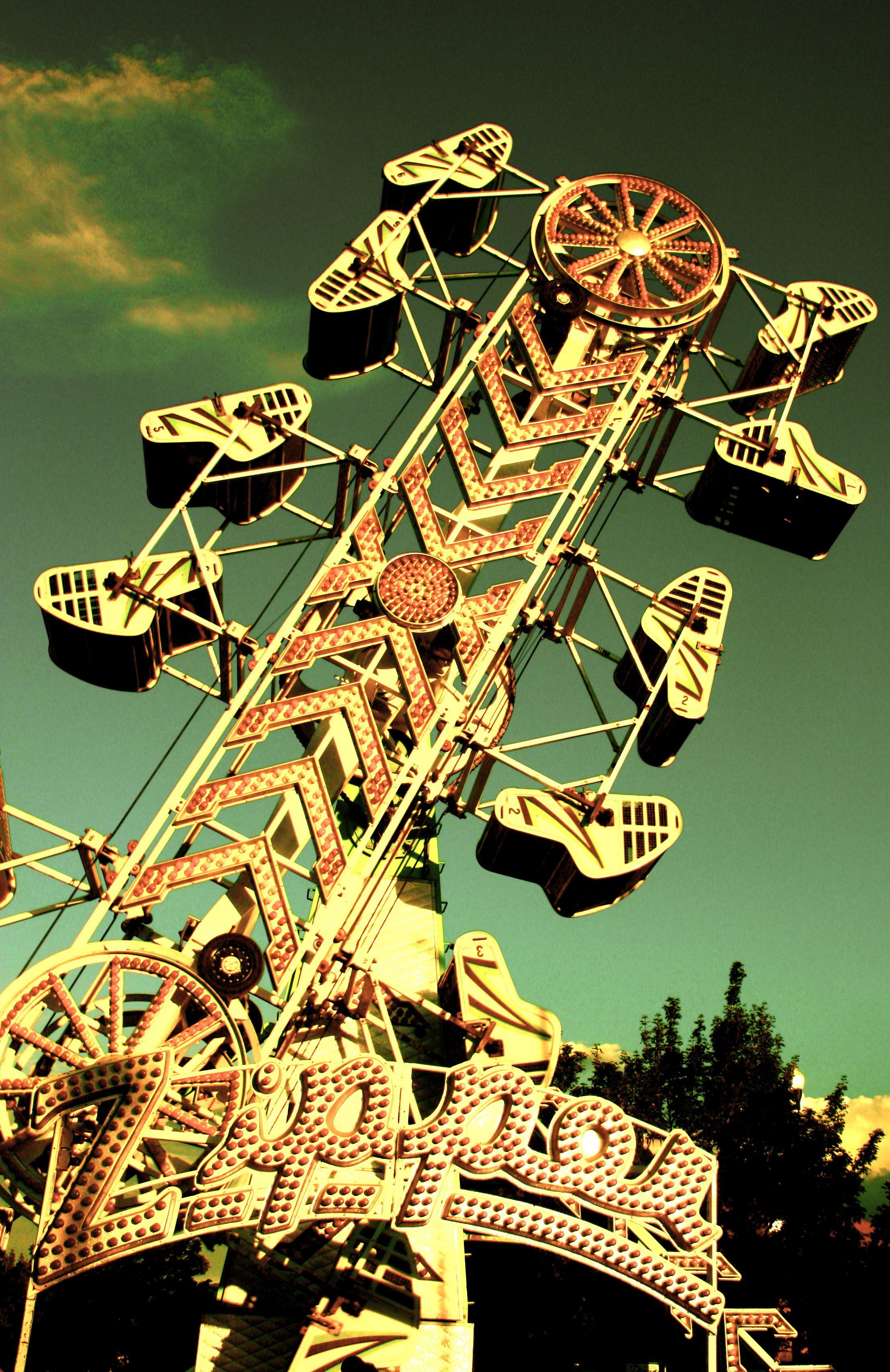 The Zipper carnival ride