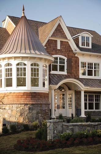 Nantucket style homes associates this classically for Nantucket shingle style