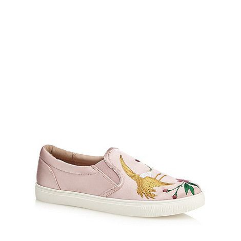 Create a stylish look with these shoes