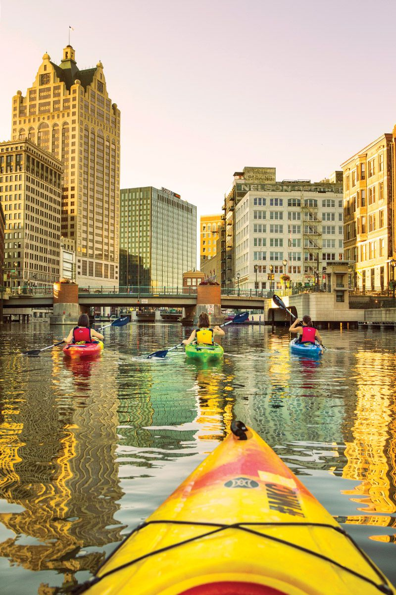 6 On-the-Water Milwaukee Activities To Try This Summer
