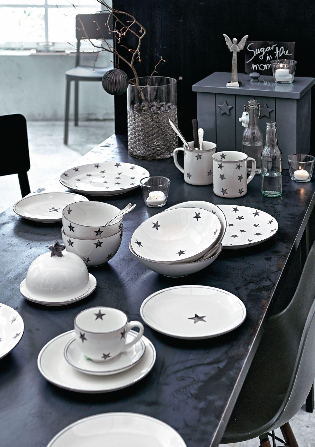 sternenregen am fr hst ckstisch nicht nur zur weihnachtszeit berzeugt dieses kontrastfarben. Black Bedroom Furniture Sets. Home Design Ideas
