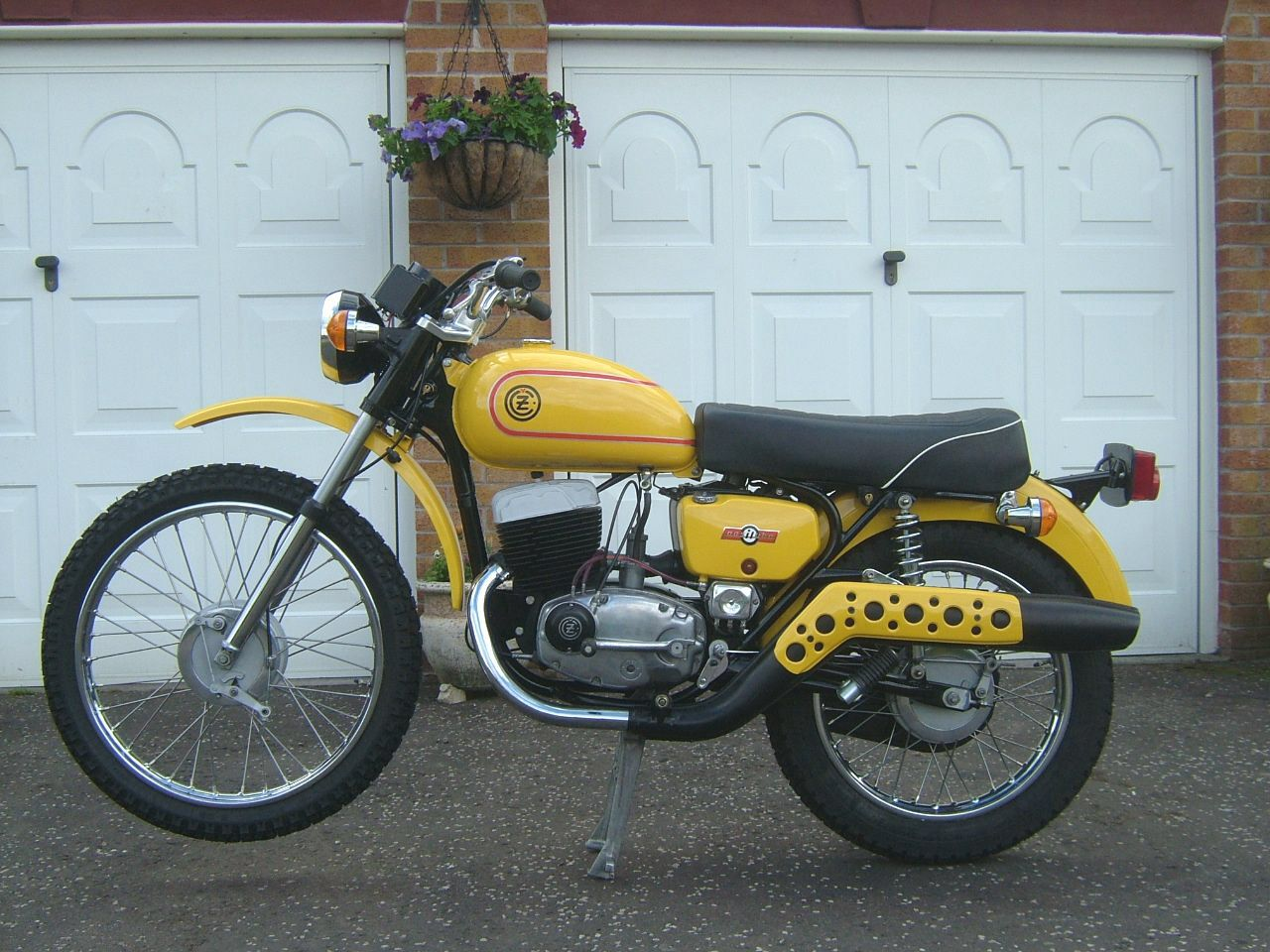 1977 Cz 175 Trail Motorcycle Old Bikes Classic Bikes