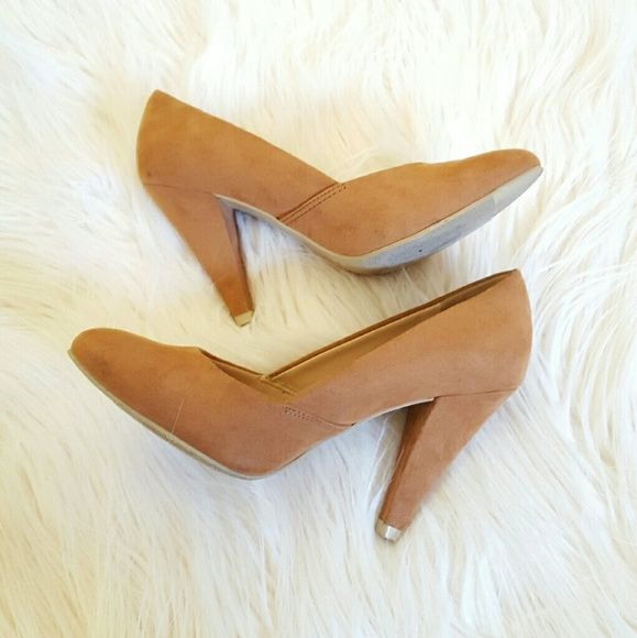 Forever 21 Size 5.5 Tan Camel Suede Like Heels Forever 21 Gently used condition Pumps in tan color I wore these a couple of times,  since then they have been sitting in my closet.  Size 5.5 Minor scuffs soles are dirty but heels are excellent. Forever 21 Shoes Heels