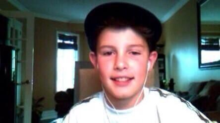 Throw back photo of Baby Shawn:OMFG HE WAS CUTE EVEN FROM THE BEGINNING LIKE IS THIS EVEN POSSIBLE .WHAT.JUST WHAT.
