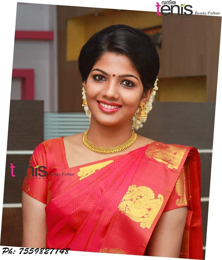 Kerala Bride Simple Hairstyle: Pin By Haritha On Bridal Beauty In 2019
