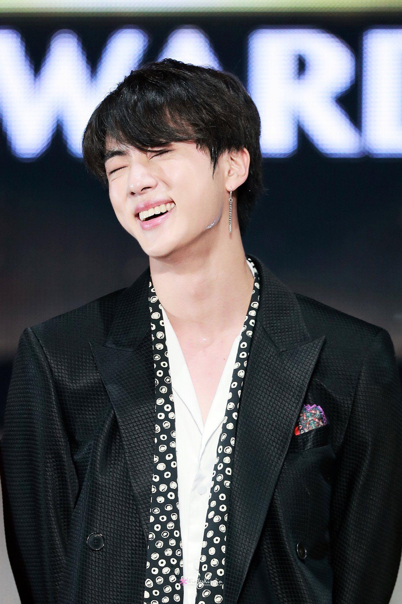 Winterkissjin On Twitter Seokjin Bts Asia Artist Awards Seokjin