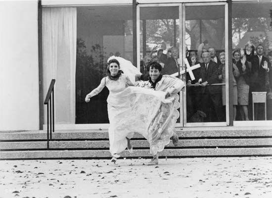 The Graduate 1967 Wedding Scene Wedding Movies The Graduate Movie