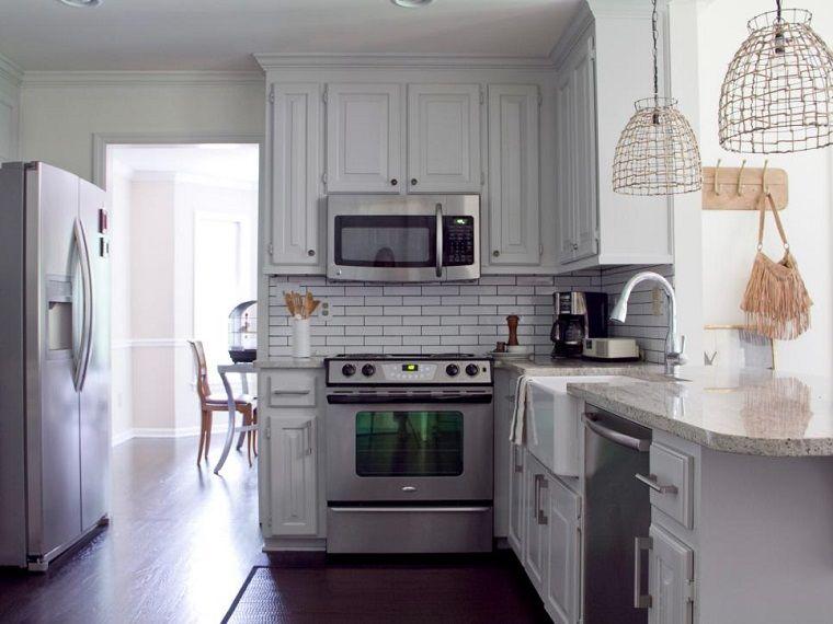 Cocinas pequeñas 50 ideas que impresionan | Cocina pequeña, Armario ...
