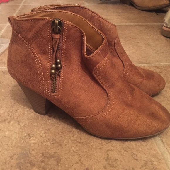 NEW PRICE  Suede Booties Madden girl suede western-Esque booties. Madden Girl Shoes Ankle Boots & Booties