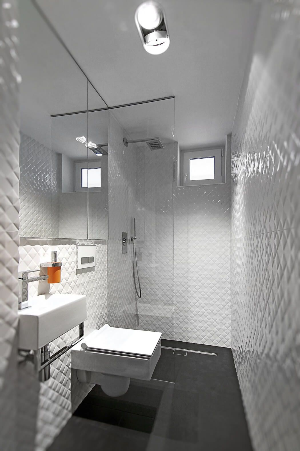 House in Rozany Potok by Neostudio Architekci | Petites salles de ...