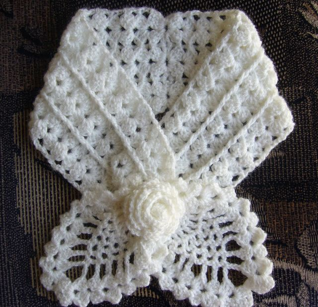 Crochet Pineapple Neckwarmer with Rose brooch | Crochetkari ...