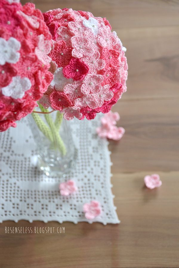 Crochet Hydrangea Flower with Free Pattern | Strickanleitungen ...