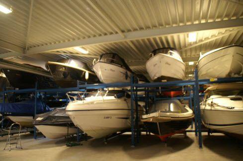 WIST U DAT? Wij altijd voldoende ruimte hebben voor stalling van uw boot :-) Neem even contact op via 0227-604362  of 0654-764967 en we bespreken gelijk de mogelijkheden :-)