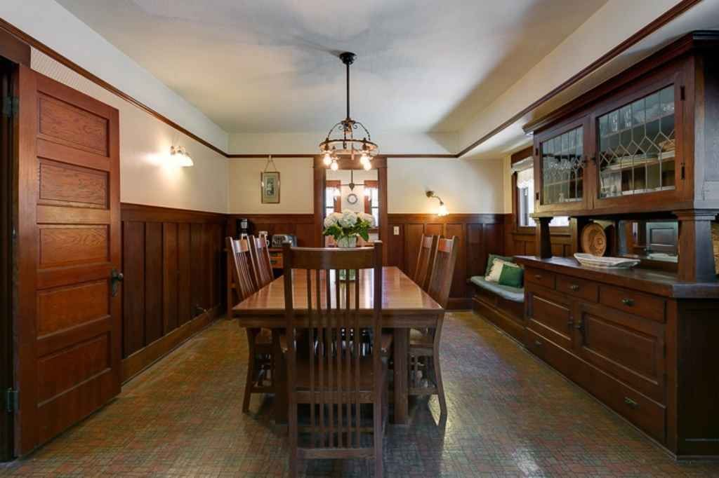 1911 Craftsman Monrovia Ca 749 000 Old House Dreams Craftsman Dining Room Bungalow Style Built In Buffet