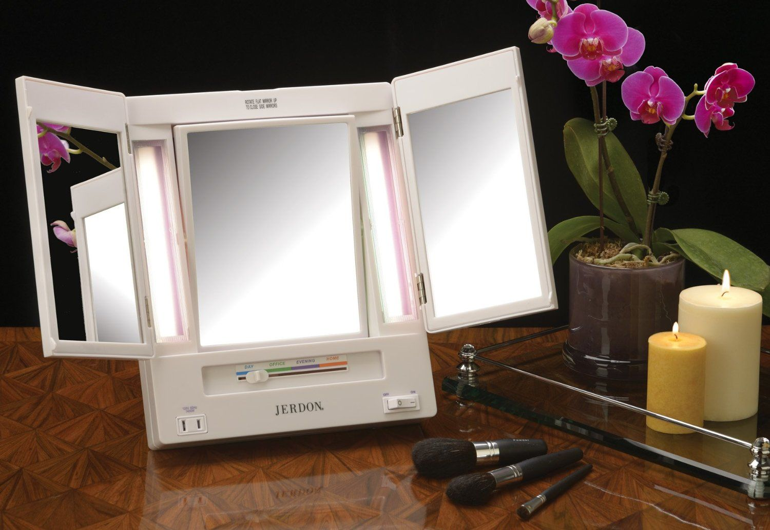 Jerdon Classic Jgl9w Lighted Tri Fold Mirror 5x