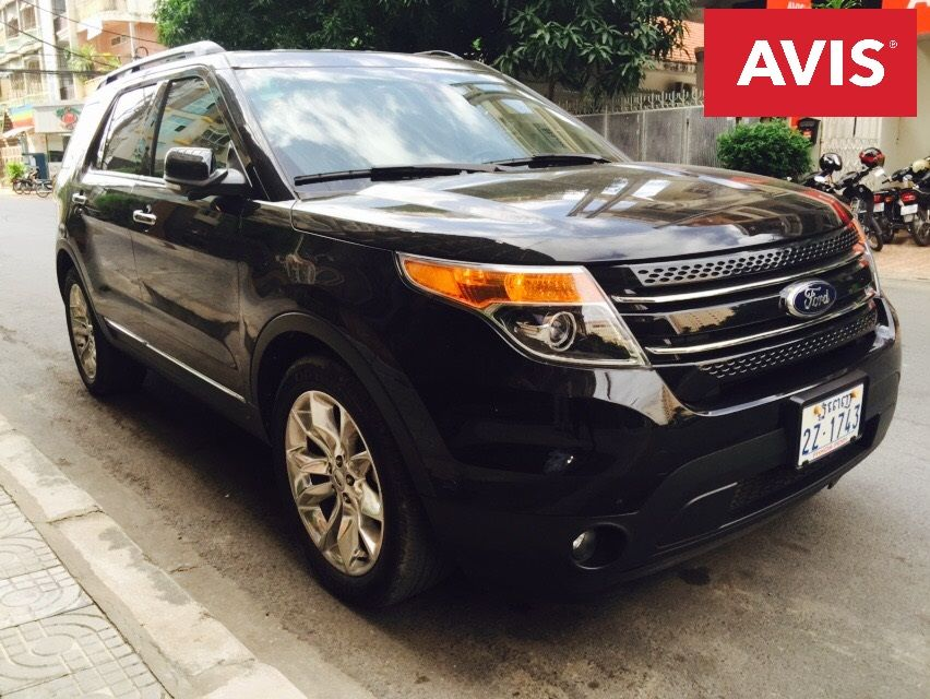 Model Ford Explorer Year 2013 Exterior Black Interior Day