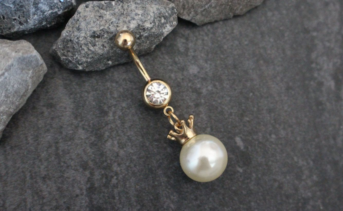 Piercing on belly  Pearl Belly Button Ring  Belly button Belly rings and Pearls