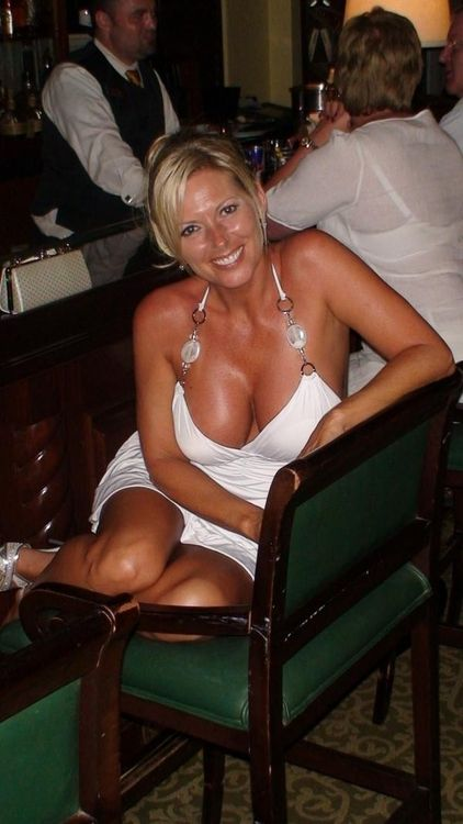 hot wife Horny milf mom