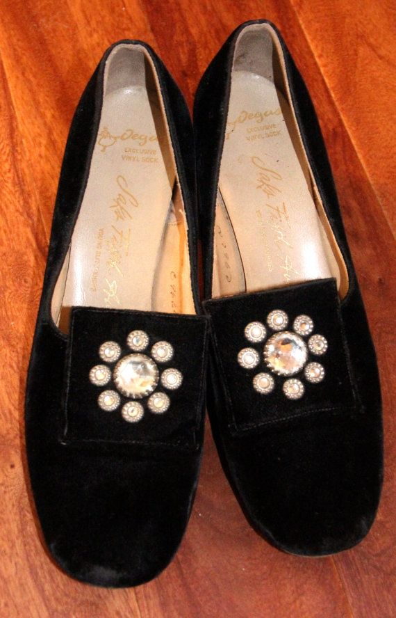 Vintage Saks Fifth Avenue Womens Shoes Size 6 Goth Gothic Edwardian Victorian Style Black Velvet Heels By TheCheekyChicBtq