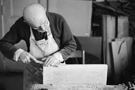 Risultati immagini per artigiani al lavoro