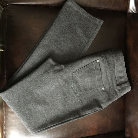 Grey stretch straight leg pant Excellent condition. Zipper, 1-button closure. 2 back pockets. No side or front pockets. Slimming. Price is final cut. Style & Co Pants Straight Leg
