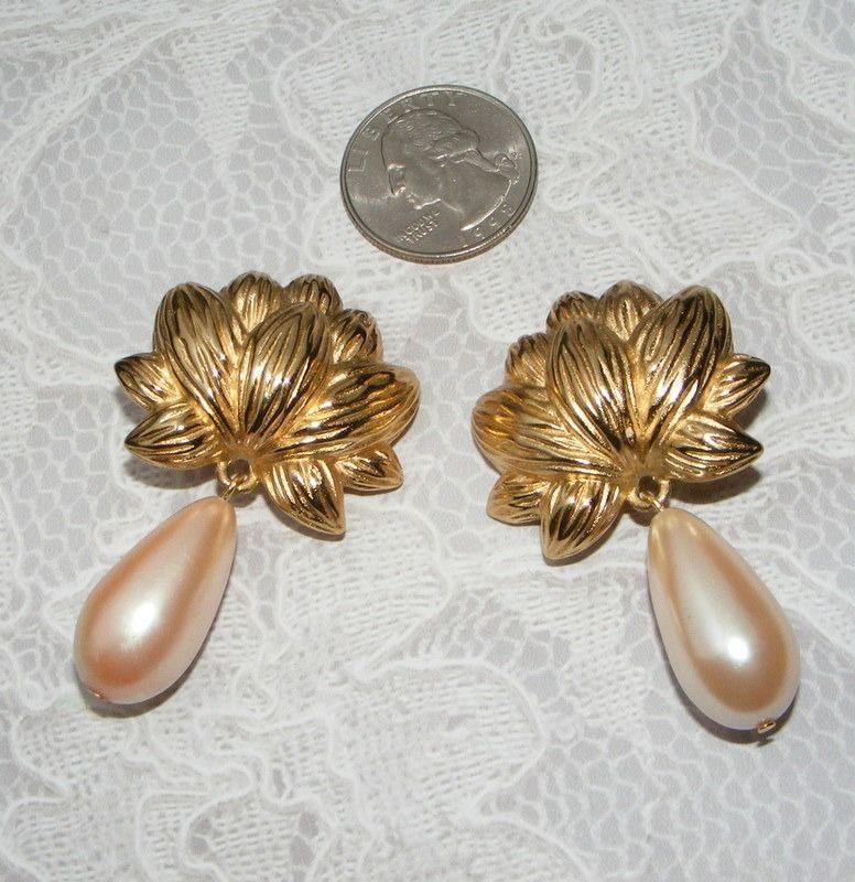Vintage NETTIE ROSENSTEIN faux pearl drop clip on EARRINGS TLC repair or wear #NettieRosenstein #clipondropsdangle