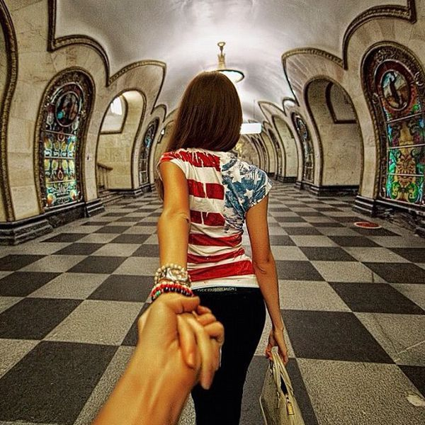 This Guy Takes Breathtaking Photos As He Follows His Girlfriend - Guy photographs his girlfriend as they travel the world