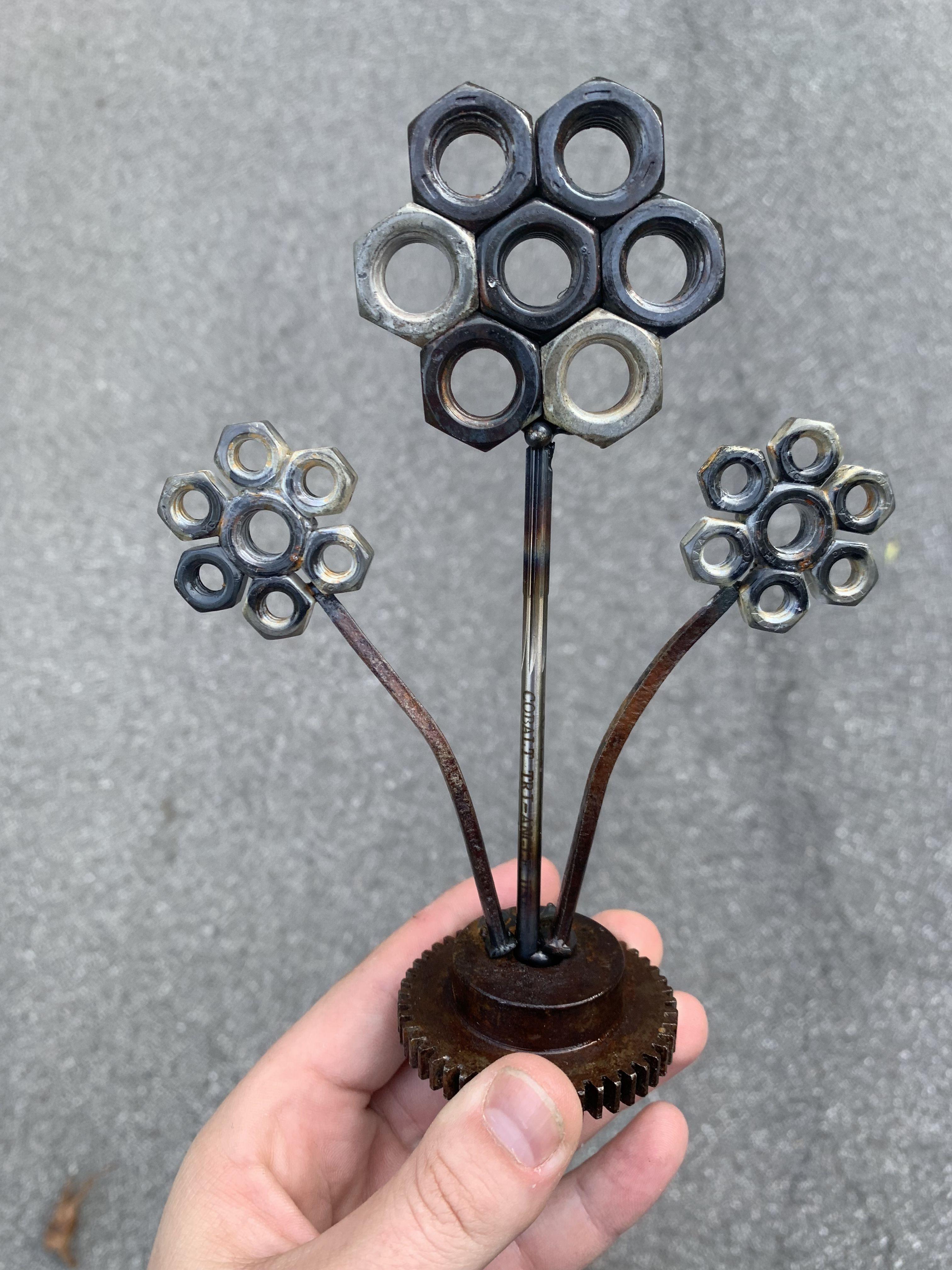 Simple Metal Flowers Welding Art Projects Metal Art Diy Metal Flowers