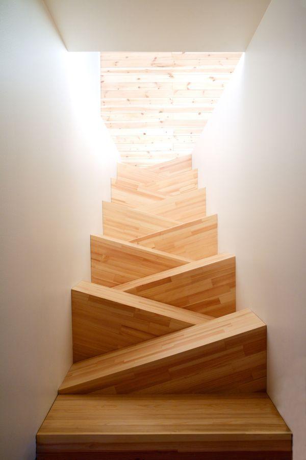 dreieckige treppenstufen-modernes design-für-zuhause Kinder - holz treppe design atmos studio