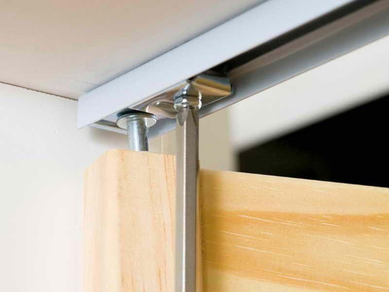 Шаг 6: закрепление верхней опорной пластины