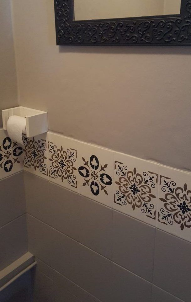 frise imitation carreaux de ciment r alis dans les wc. Black Bedroom Furniture Sets. Home Design Ideas