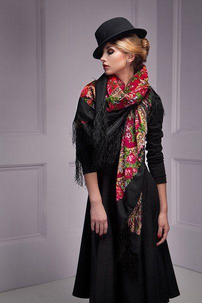 "Shawl (wool with silk fringe) ""Romance""no. 18  Size: 89x89 cm  Artist: Dadonova Irina"