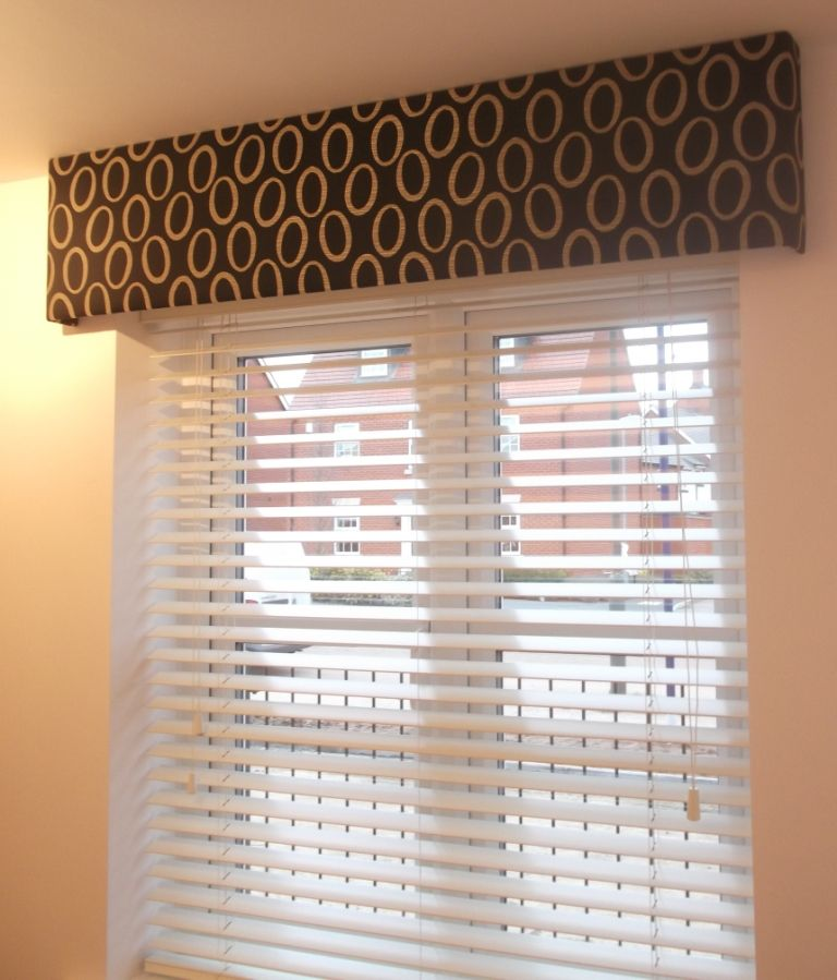 Kitchen Curtain Pelmets: White Wooden Venetian Blind With A Black Pelmet