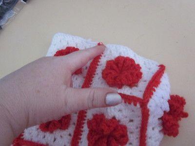 How to make a handbag. Granny Square Handbag ( Sewing Your Granny Sqares Together) - Step 22