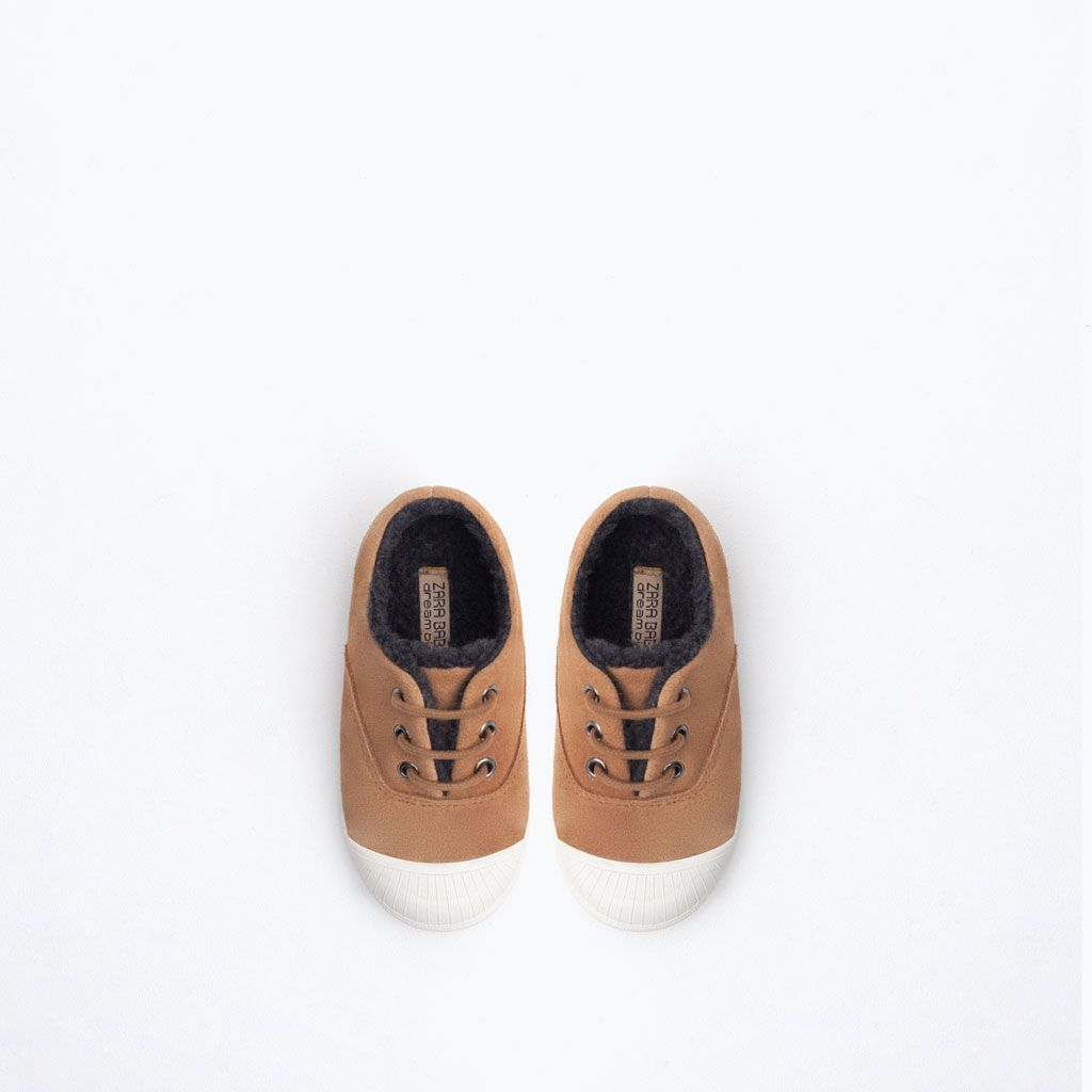sur des pieds à la réputation d'abord courir chaussures Épinglé sur Mode bébé