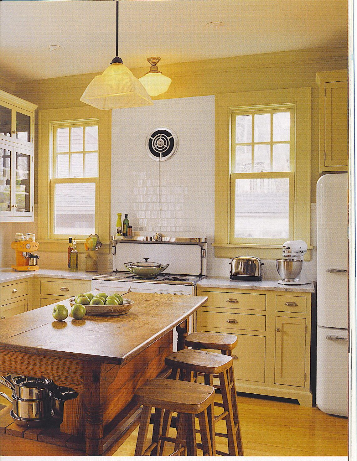 Love the chrome exhaust fan and vintage stove. | Kitchen | Pinterest