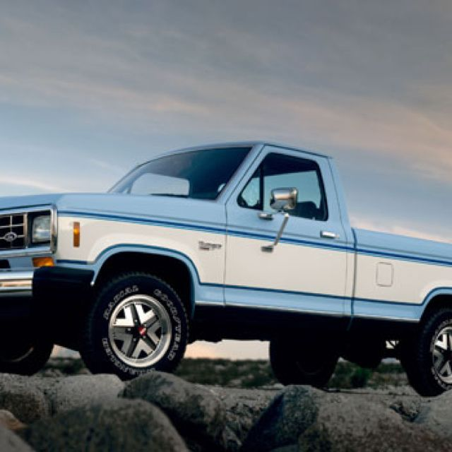 Small Ford Truck: 2-tone Ford Ranger...
