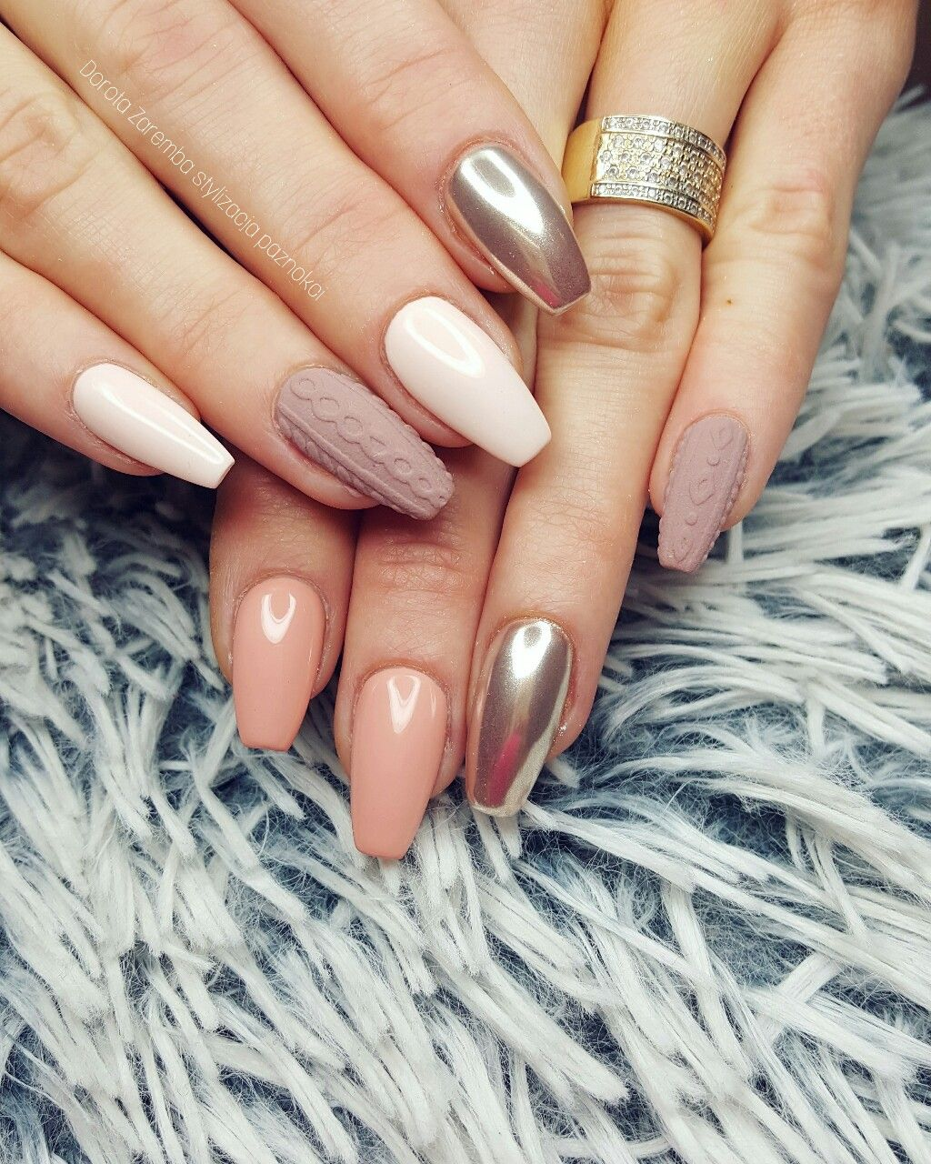 Nude sweater mirror nails Glamour nails, style nails, design nails ...