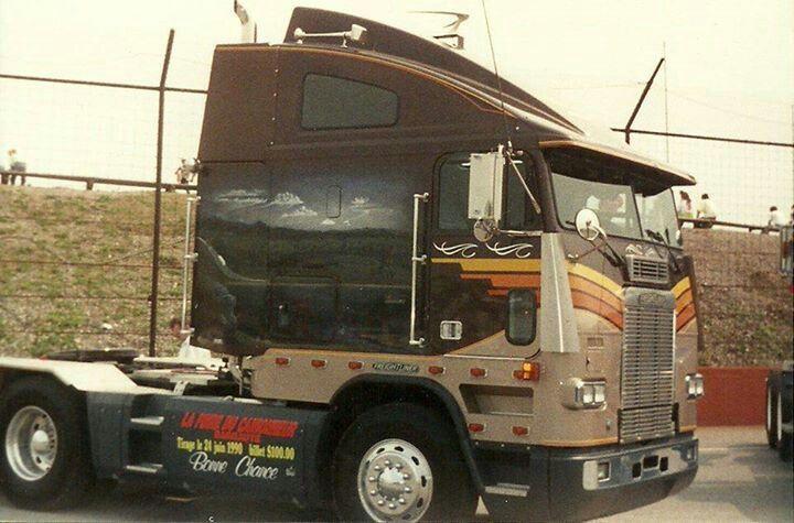 Trucking School Fort Worth Standard Truck Http Www Cdlschooltexas Com Truck Driving School Fort Worth Is A L Freightliner Trucks Freightliner Big Rig Trucks