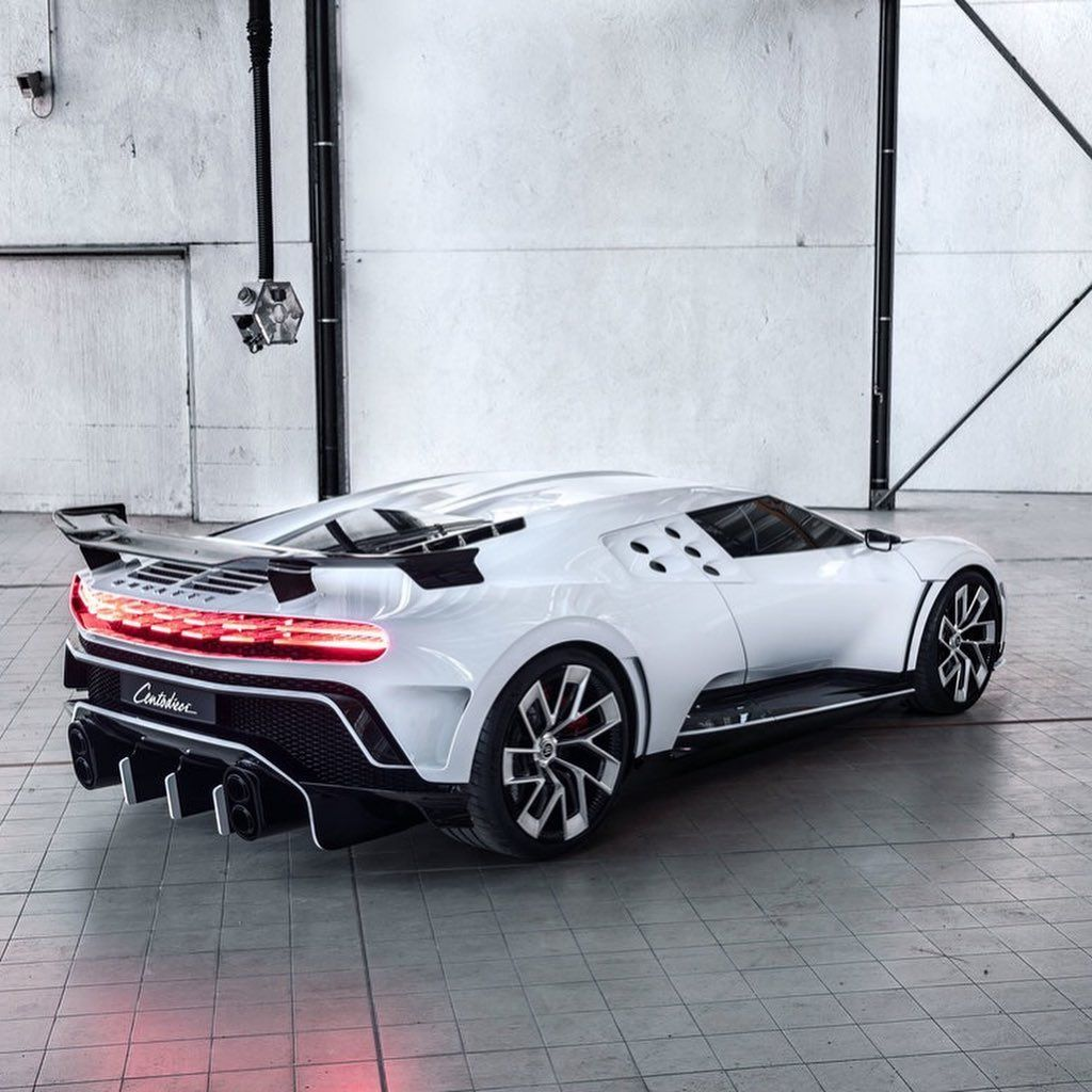 A Imagem Pode Conter Carro Bugatti Cars Bugatti Bugatti Chiron